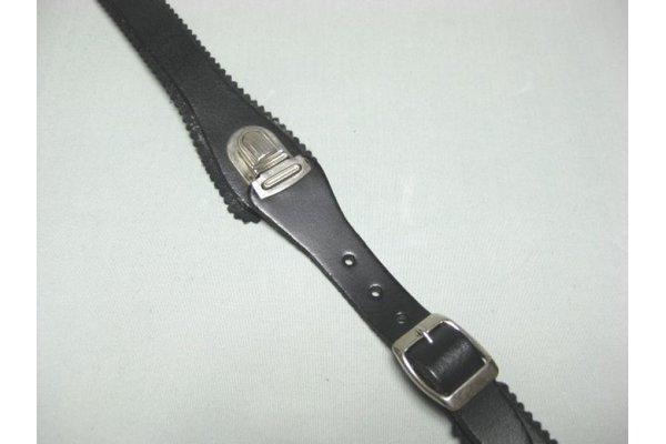 back strap IT snapping clip - leather, black